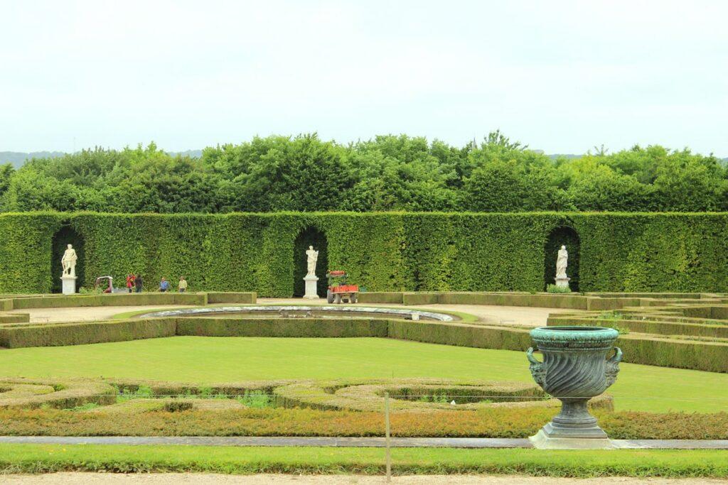 регулярный сад в истории садового искусства