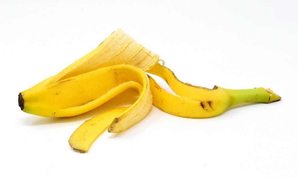 банановая кожура как удобрение для огорода